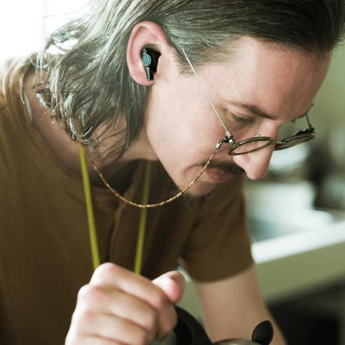 ATH-CKR70TW   創造令人沈浸其中的聆聽環境