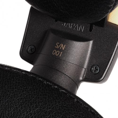 限量500副的ATH-L5000,每副耳機都有序號